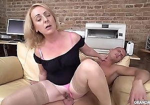 Horny GILF Linda taking good nurse of a homeless punk