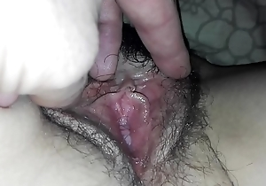 play and spread sleeping milfs hot pussy