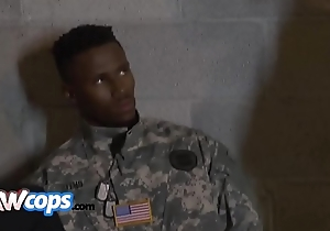 Black guy posing as a vet gets snatched