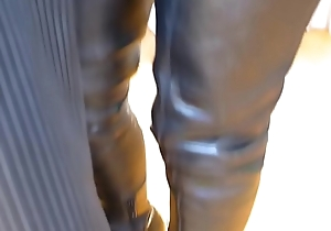 Hot crotchless leather Milf in boots flashes pussy - DaGFs.net