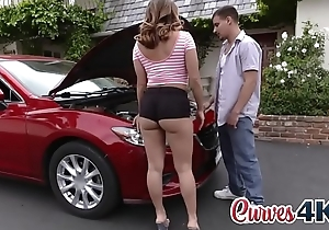 Sassy teen got her cum-hole fixed along with her car